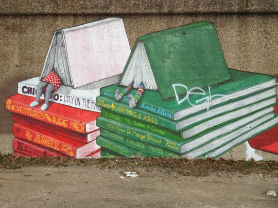 Bookish streetart in Chicago